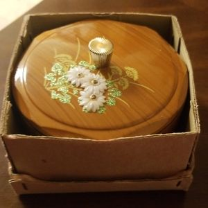 Gorgeous vintage trinket box (drawer 1000)